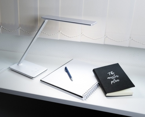 TecLines DL002 dimmable LED desk lamp, example of use