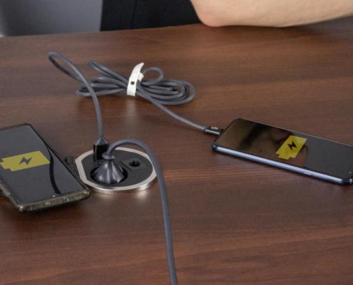 TecLines TES005B Einbausteckdose mit 1x USB-A, 1x USB-C, 1x Leer, Qi-Ladegerät
