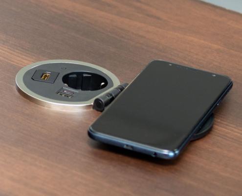 TecLines TES005B Einbausteckdose mit Induktionsladegerät für Qi-fähige Smartphones